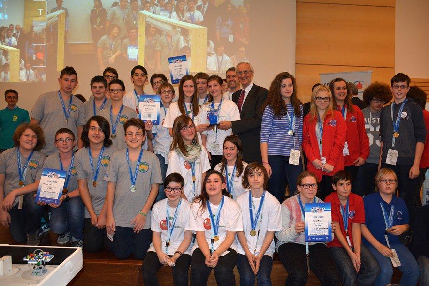 Gratulation an dei Teasm aus Laa an der Thaya (3.Platz), Hollenstein an der Ybbs (1. Platz und FLL Champion) und Stockerau (3. Platz und Sieger im Robotgame)